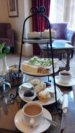 The Dales Country House Hotel: Couldn't fit the Scones in!