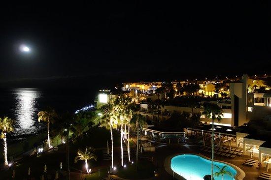 TUI SENSIMAR Calypso Resort & Spa: Nächtliche Zimmeraussicht