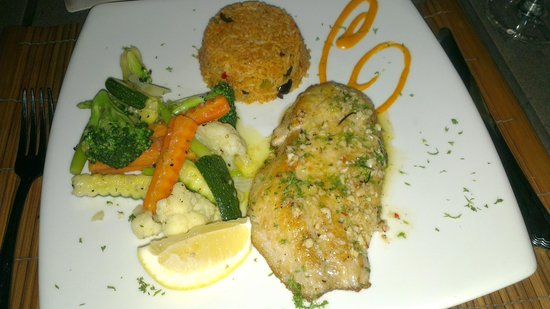 The Cliff Bar and Grill: Main course - Sea bass (I think)