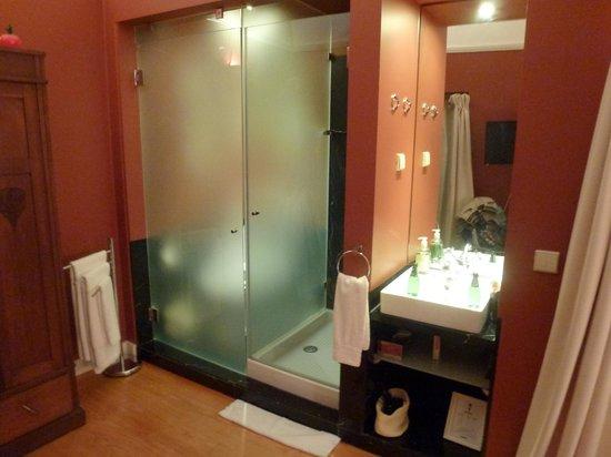 Casa Amora Guesthouse: Salle de bain