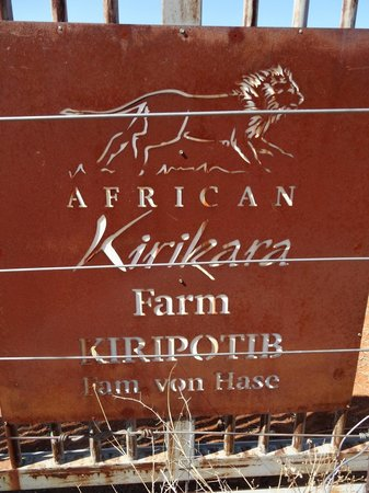 Kiripotib Guest Farm: farm sign