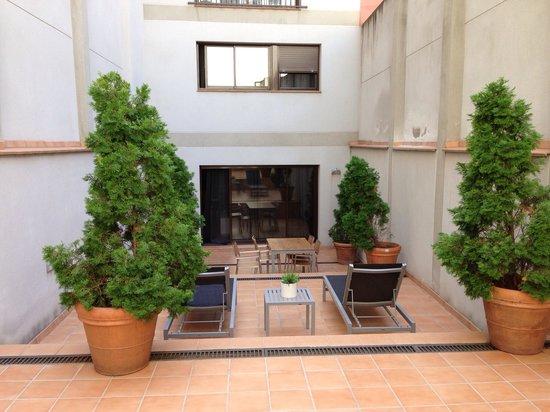 Up Suites Bcn: Terraced Area