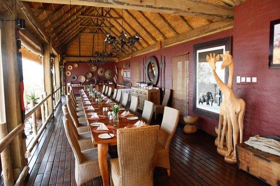 Ngoma Safari Lodge : Dining Room 1st night
