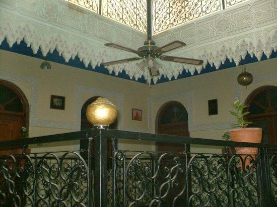 Riad Karmel Rose de Marrakech : COUR