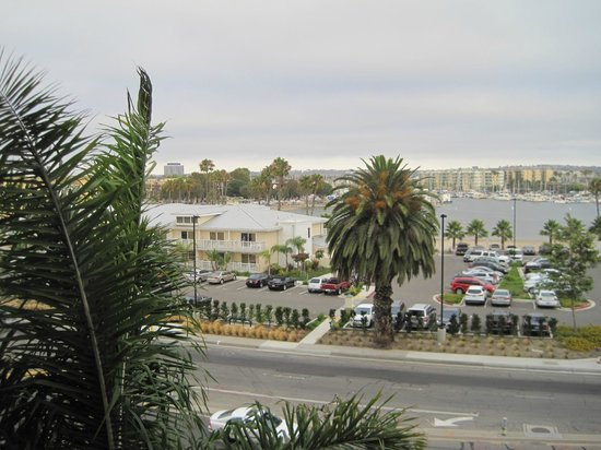 Marina del Rey Marriott : View from room (looking left)