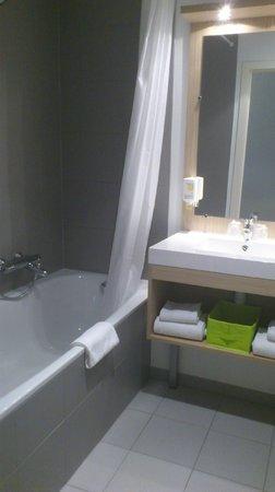 Adagio Access Brussels Europe: ванная комната