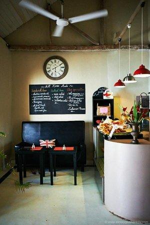 La Clochette Hotel Restaurant : Внутри