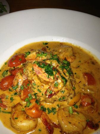 House of Blues Restaurant & Bar: Shrimp and grits