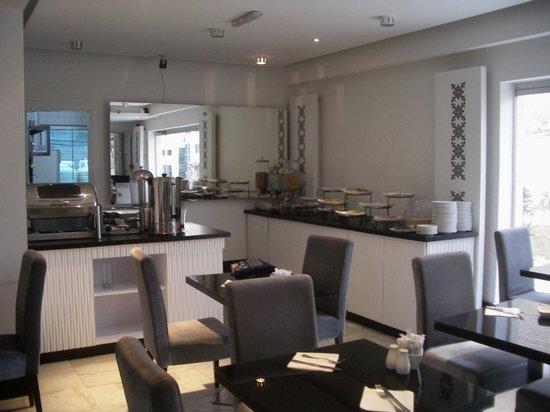 Crystal Hotel : The breakfast room