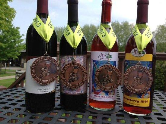 JD Wine Cellars: Several award winning wines