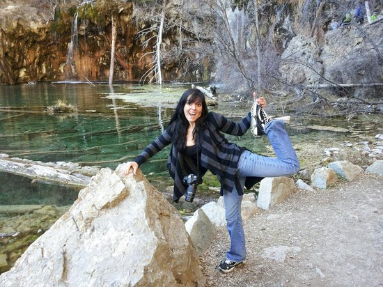 Hanging Lake Trail : Chained shoes to make it up there with all the ice!
