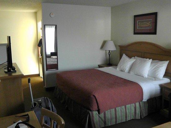 Cimarron Inn & Suites Klamath Falls: Zimmer