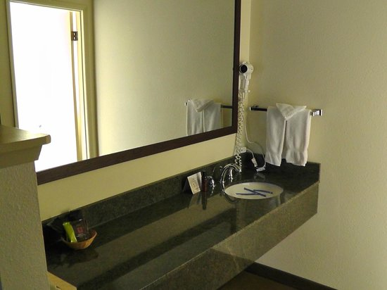 Cimarron Inn Klamath Falls: Ausgeelagertes Waschbecken