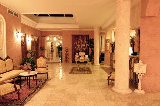 Thalasso Hotel El Palasiet: Холл отеля.