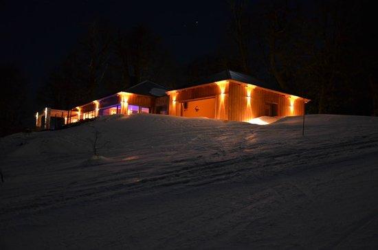 Casas del Sur Lodge: Vista de la Casa Spa desde la Pista de Ski