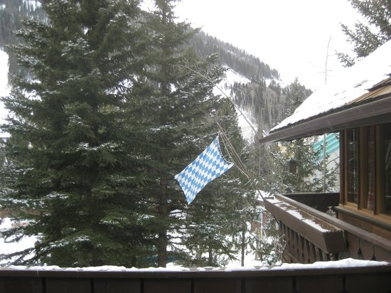 Brownell Chalet Bavarian flag and Als Run