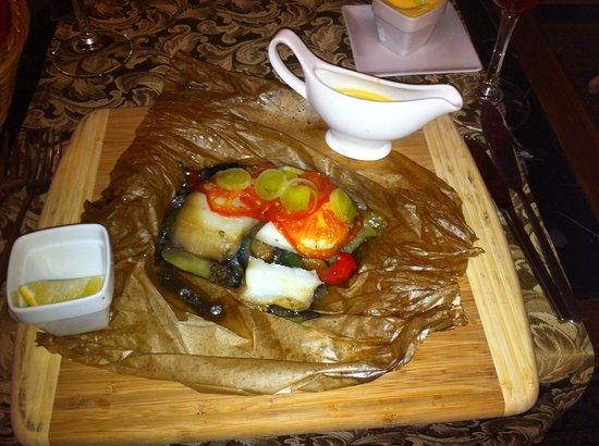 Russkiy Kitch : Halibut and fresh veg cooked in paper