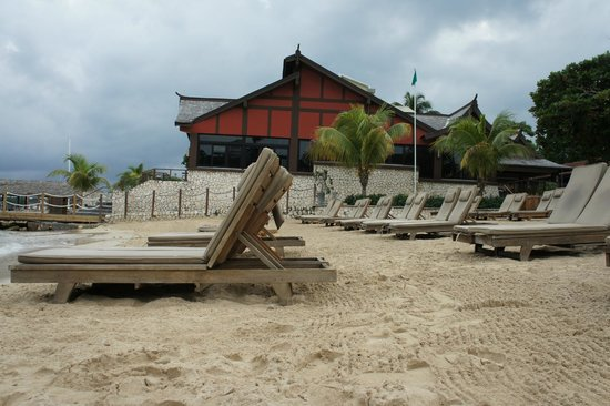 Ocho Rios Bay Beach: Sandals lounge chairs at Ochi Beach Club : ocho beach chairs - Cheerinfomania.Com