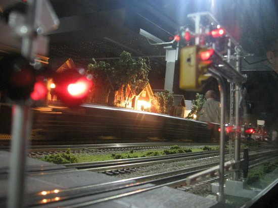 Merchants Square Model Train Exhibit : Be careful, train crossing!