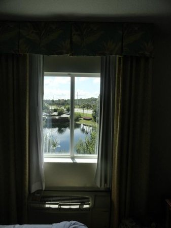 Crown Club Inn Orlando By Exploria Resorts: Vista desde la Ventana