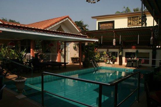 Udon Thai House Thomas Resort & Hotel: Piscine