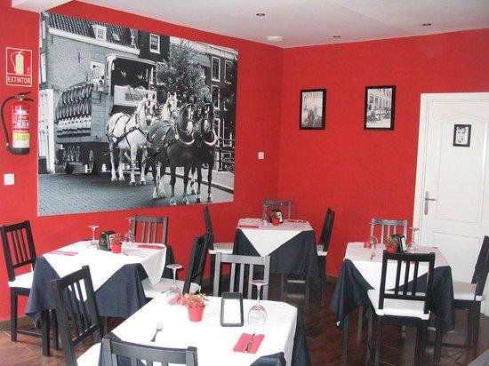 Restaurante Bodeguita La Reina: Disfruta de un ambiente acogedor.