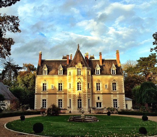 Le Chateau de Fontenay: Beautiful Mansion. Like your own castle!