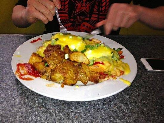 Floyd's Diner : Mahoney = yum