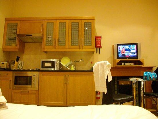 Hyde Park Suites: La chambre