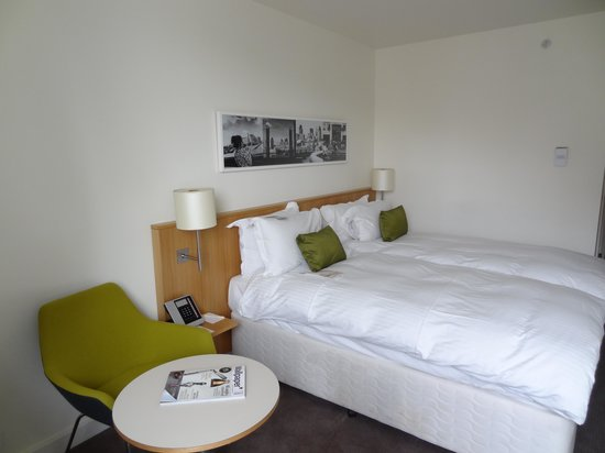 DoubleTree by Hilton Hotel London -Tower of London: The twin room