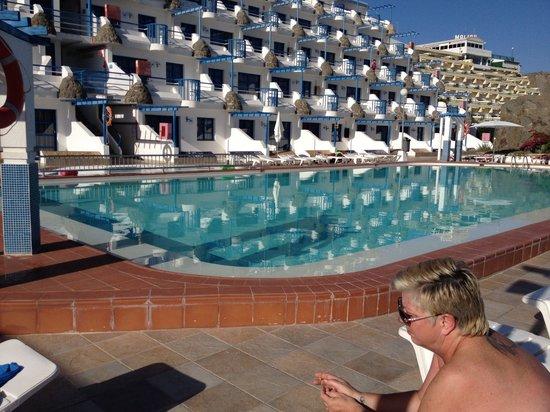 Aquasol Apartments: Pool