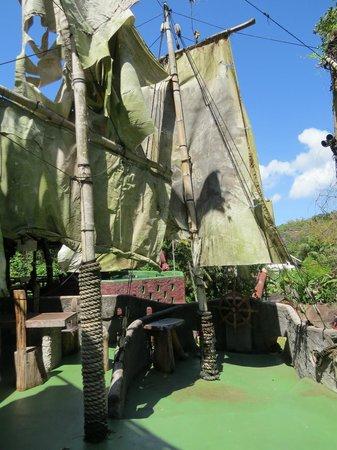 Maria's Rock Cafe : Vue du haut du bateau pirate