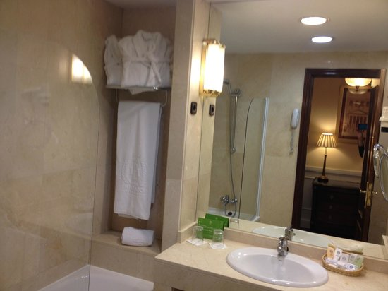 Emperador Hotel Madrid: Clean and well equipped