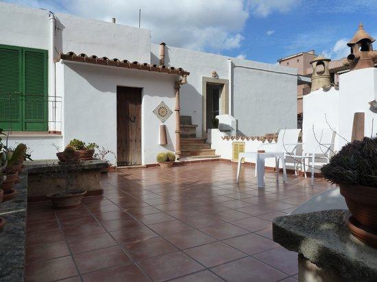 Hostal Residencia Catalina Vera: sunbathing terrace