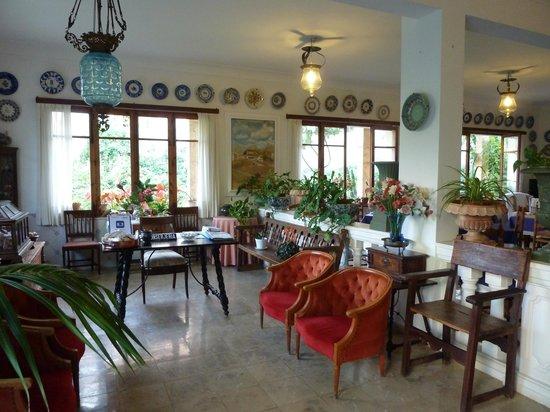 Hostal Residencia Catalina Vera: reception area