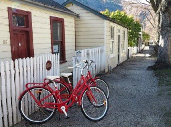 Arrowtown Bike Hire: Located on Arrowtowns main Street