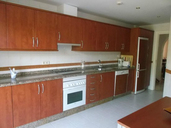Vasari Vacation Resort : full kitchen