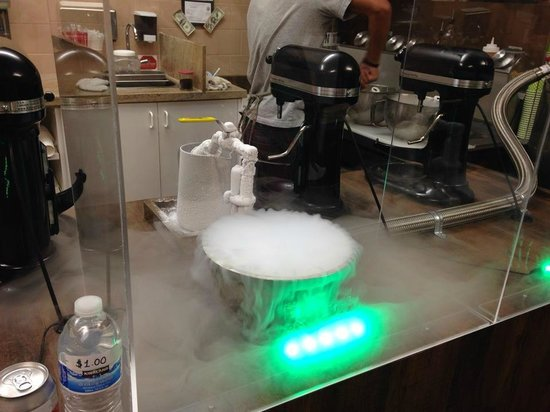 Nitroinfusions : Liquid Nitrogen Ice cream