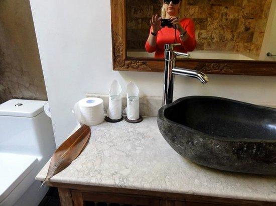 Ubud ArtVilla: Heavenly bathrooms
