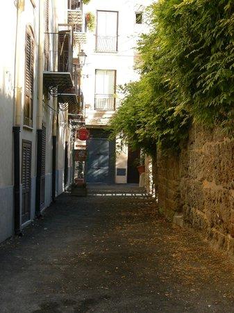 Centro Storico Hotel : Ingresso dal vicolo San Carlo Angolo Via Alloro, 78