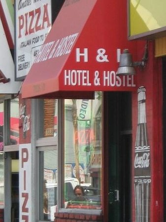 Hollywood and Highland Hotel and Hostel: Street View