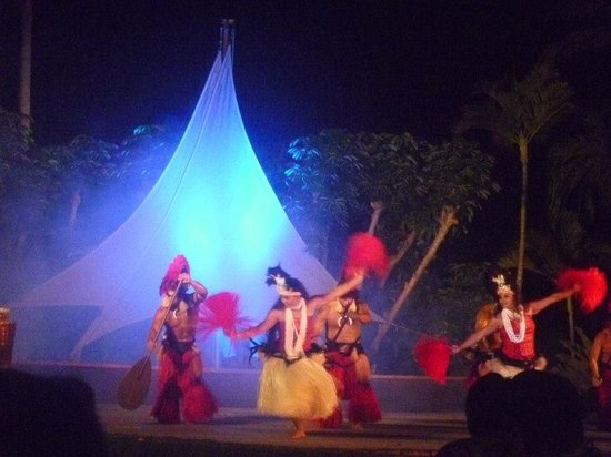 Gathering of the Kings Luau: beautiful, theatrical performance