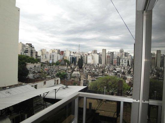 Ayres de Recoleta Plaza: Vista do quarto 2