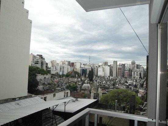 Ayres de Recoleta Plaza: Vista do quarto