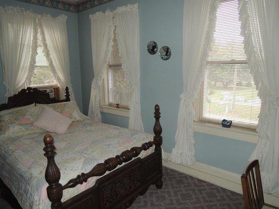 River Rose Inn B&B: Eagles Nest Room