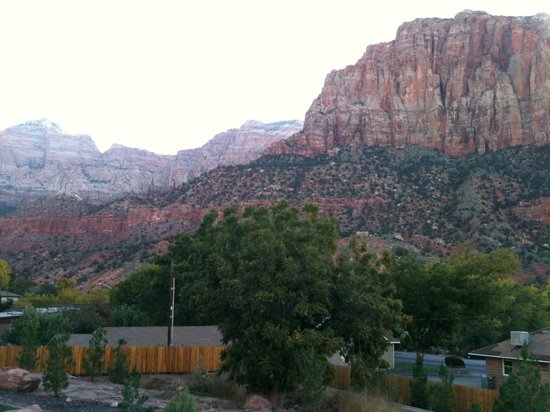La Quinta Inn & Suites at Zion Park / Springdale: View from Hotel
