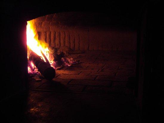 Atras da Matriz: Nosso forno à lenha