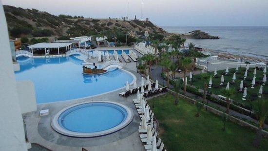 Acapulco Resort & Convention & SPA : Вид из окна