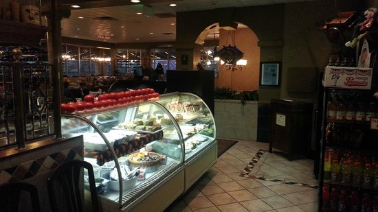 Holiday Inn Cleveland - Mayfield: Restaurant Entry - with dessert display  - Holiday Mayfield