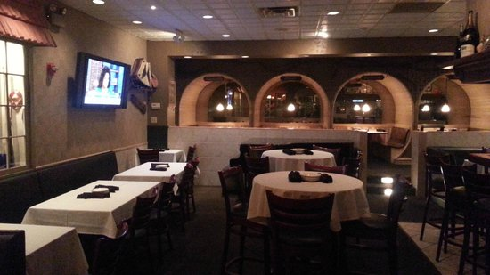 Holiday Inn Cleveland - Mayfield: Lounge Bar area   - Holiday Mayfield